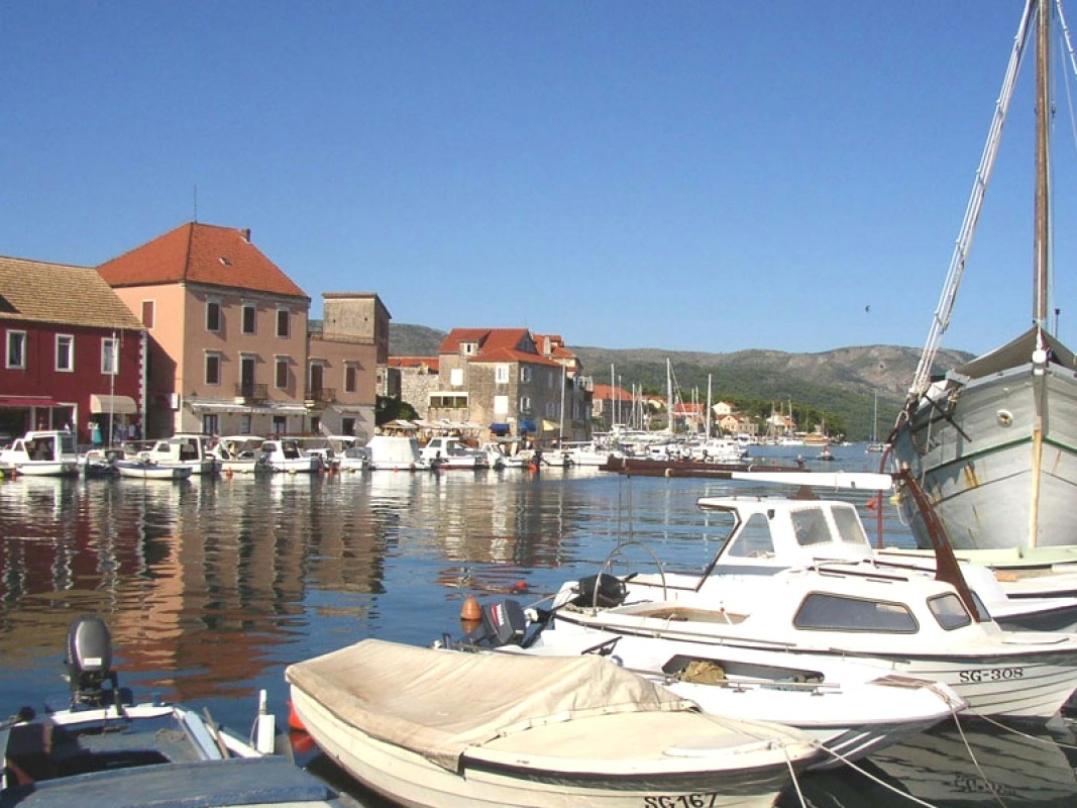 Croazia appartamenti stari grad isola hvar croazia for Appartamenti isola hvar